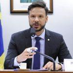 Deputado pede anulação da transferência de R$ 84 mi do Bolsa Família à Secretaria de Comunicação
