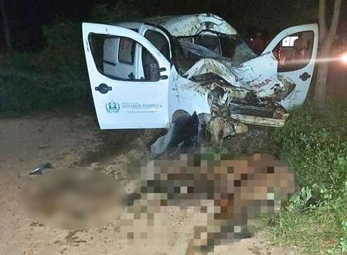 Motorista de ambulância morre após colisão com jumento na BR-122