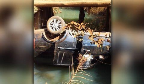 Carro com filhos do cantor Leonardo cai dentro de rio em Goiás