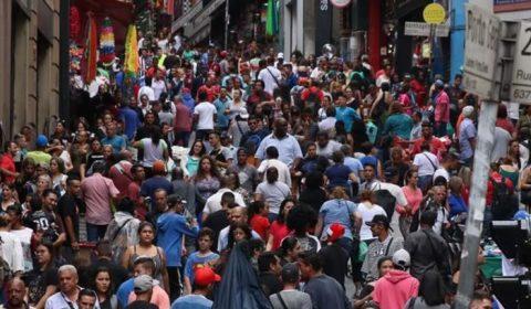 Estudo revisado diz que população mundial deverá cair para 8,8 bilhões em 2100