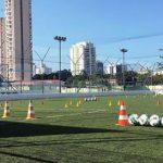 Em meio à pandemia, escolinha de futebol de Rivellino encerra as atividades