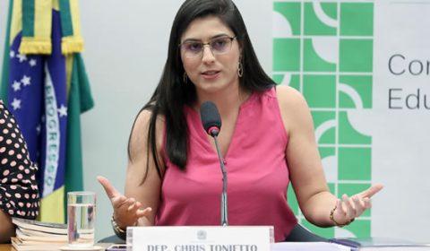 MPF pede que deputada do PSL explique postagem que relaciona pedofilia a LGBTs