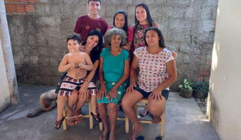 Filha reencontra mãe 38 anos depois de ter sido sequestrada pelo pai no Ceará