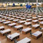 Com camas de papelão, Índia abre maior hospital para a Covid-19 do mundo