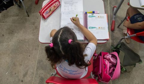 Nove a cada dez cidades cearenses custeiam mais de 80% da educação com recursos do Fundeb