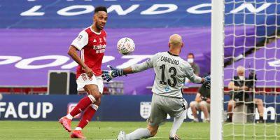 Arsenal vira contra Chelsea e é campeão da Copa da Inglaterra