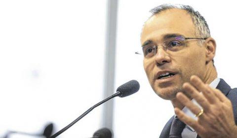 Ministro da Justiça promete entregar relatório sobre antifascistas
