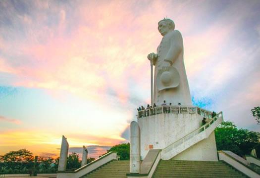 Estátua do Padre Cícero é patrimônio histórico e cultural do Estado do Ceará