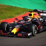 Verstappen supera Hamilton e vence Grande Prêmio dos 70 anos da Fórmula 1