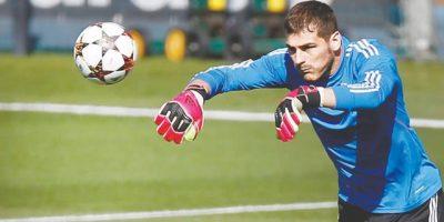 Campeão do mundo em 2010, goleiro Iker Casillas anuncia aposentadoria do futebol