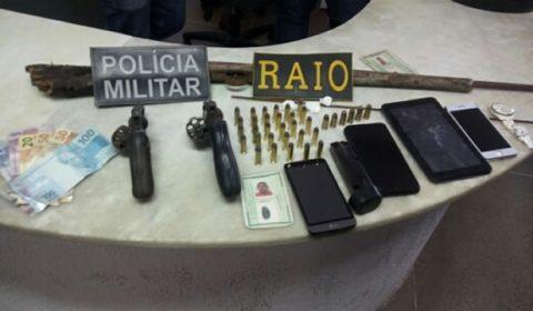 Polícia pega suspeitos de crimes no Ceará com armas, munição, dinheiro e drogas