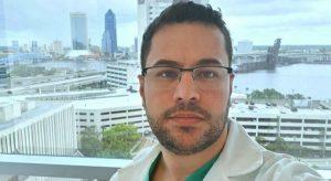 Médico da equipe que separou gêmeas siamesas cearenses morre de Covid-19