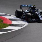 Bottas toma pole de Hamilton na última volta