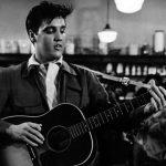 Violão de Elvis Presley é leiloado por R$ 7 milhões e bate recorde