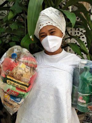 Povos de terreiros recebem doações de alimentos e kits de limpeza no Cariri