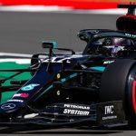 Hamilton cresce no fim, quebra recorde e garante a pole do GP da Inglaterra