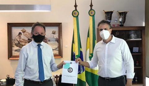Criação da Delegacia de Repressão aos Crimes Cibernéticos no Ceará é entregue a Camilo