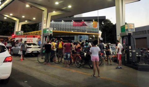 Jovem baleado em antigo restaurante de Juazeiro tomba num posto de gasolina