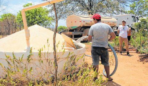 Operação Carro-Pipa no Ceará tem atendimento reduzido em 50%