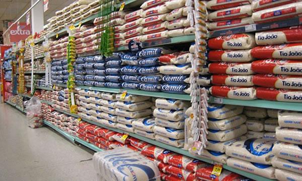 Governo decide zerar taxa de importação para arroz até o final deste ano