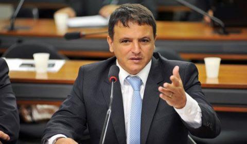 Renda Cidadã deve ficar acima de R$ 200 e abaixo de R$ 300, diz relator do Orçamento