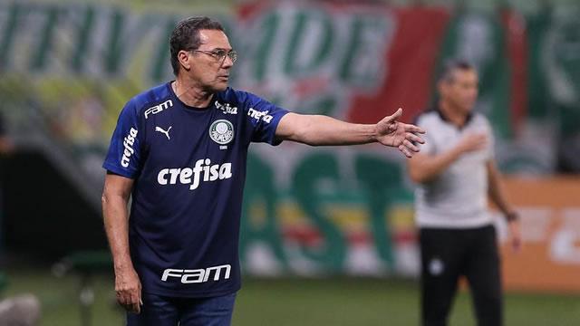 Palmeiras demite Vanderlei Luxemburgo após derrota para o Coritiba - Site  Miséria