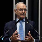 Senador Arolde de Oliveira morre de Covid-19 aos 83 anos, no Rio de Janeiro