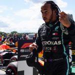 Sem contrato para 2021, Hamilton diz não saber sobre futuro na Mercedes