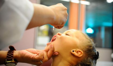 Quase 50% do público-alvo da campanha deste ano ainda não foi vacinado contra paralisia infantil
