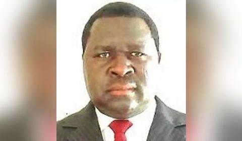 Homem chamado Adolf Hitler vence eleições na Namíbia e brinca com nome incomum