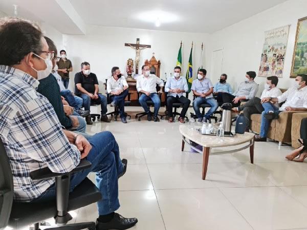 Prefeitos do Cariri defendem consórcio para aterro sanitário com Fernando Santana