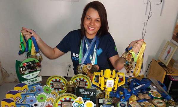 Estudante de Juazeiro do Norte é bicampeã internacional de robótica