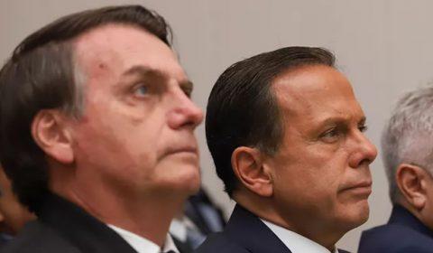 Bolsonaro e Doria travam uma disputa para garantir a primeira foto da vacinação no Brasil