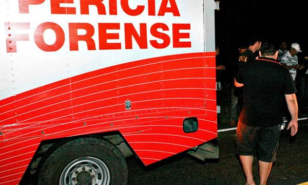 Carro capota em Lavras da Mangabeira e homem morre preso às ferragens
