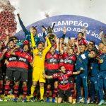 Flamengo perde para São Paulo, mas é campeão brasileiro com empate do Internacional
