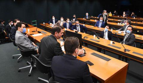 Bancada federal cearense chega a acordo e destinará R$ 120 milhões em emendas para a Saúde