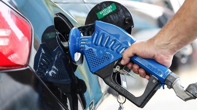 Gasolina chega a R$ 4,99 em Fortaleza e R$ 5,34 no interior do Ceará