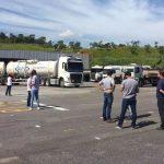 Tanqueiros fazem protesto contra o preço do diesel no Brasil