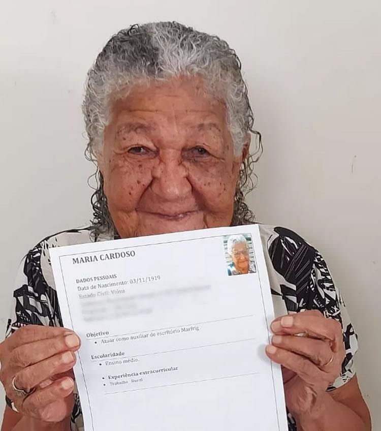 Idosa de 101 anos entrega currículo em empresa do interior de SP e caso viraliza na web