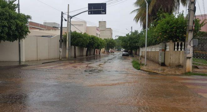 Barbalha registra chuva na tarde desta quarta-feira; confira a previsão para o Cariri