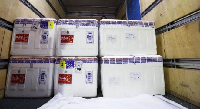 Novo lote de vacinas contra Covid-19 será enviado ao Interior do Ceará nesta segunda (8)