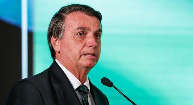 Bolsonaro quer testar spray nasal desenvolvido em Israel contra Covid-19 no Brasil