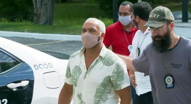 Belo é preso quatro dias após show em escola pública no Rio de Janeiro