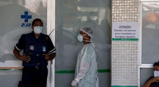 Uma a cada três mortes por Covid na área da saúde no Ceará é de profissionais da enfermagem