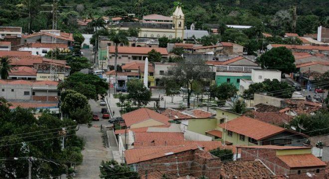 Redenção, no Ceará, só tem estoque de oxigênio hospitalar até terça-feira (9)