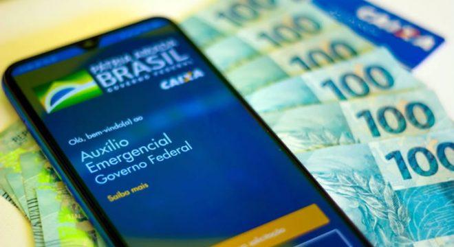 Novo auxílio emergencial pode voltar este mês, com valor de R$ 150 a R$ 375
