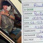 Raul Gil recebe a primeira dose da vacina contra a Covid-19 em São Paulo