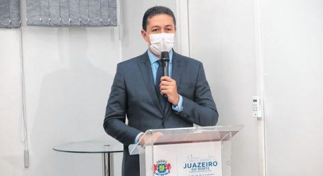 Justiça determina suspensão do processo de cassação do prefeito Glêdson Bezerra