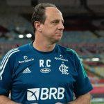 Torcida do Flamengo faz campanha #ForaCeni após derrota para Vasco