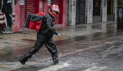 Ceará deve registrar chuvas menos intensas até a próxima quarta-feira